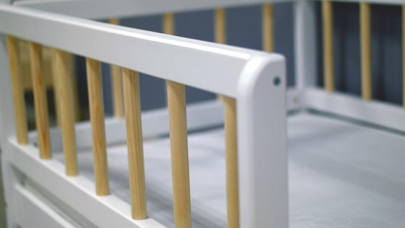 Домик-кроватка Infantile (с ящиками) фото (1)