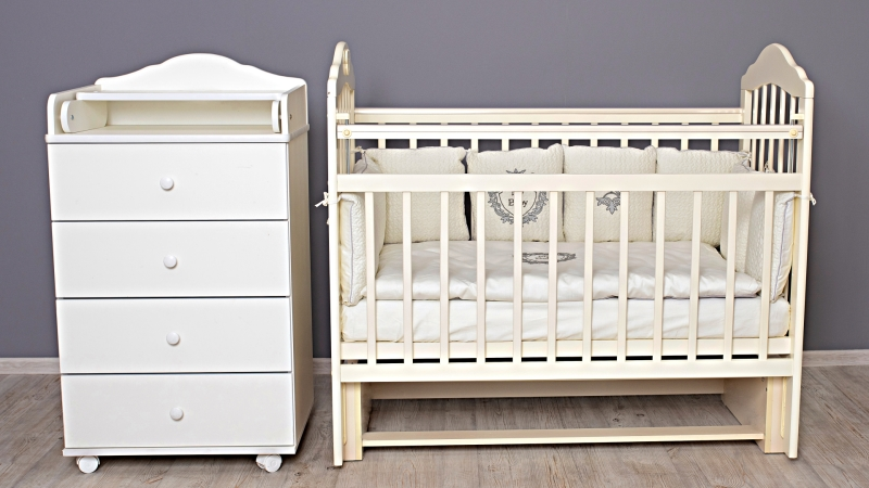 Кроватка для новорожденного Мишка (маятник; цв. слон.кость) фото (1)